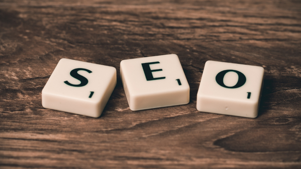 seo scrabble keys, photo by pixabay from pexels