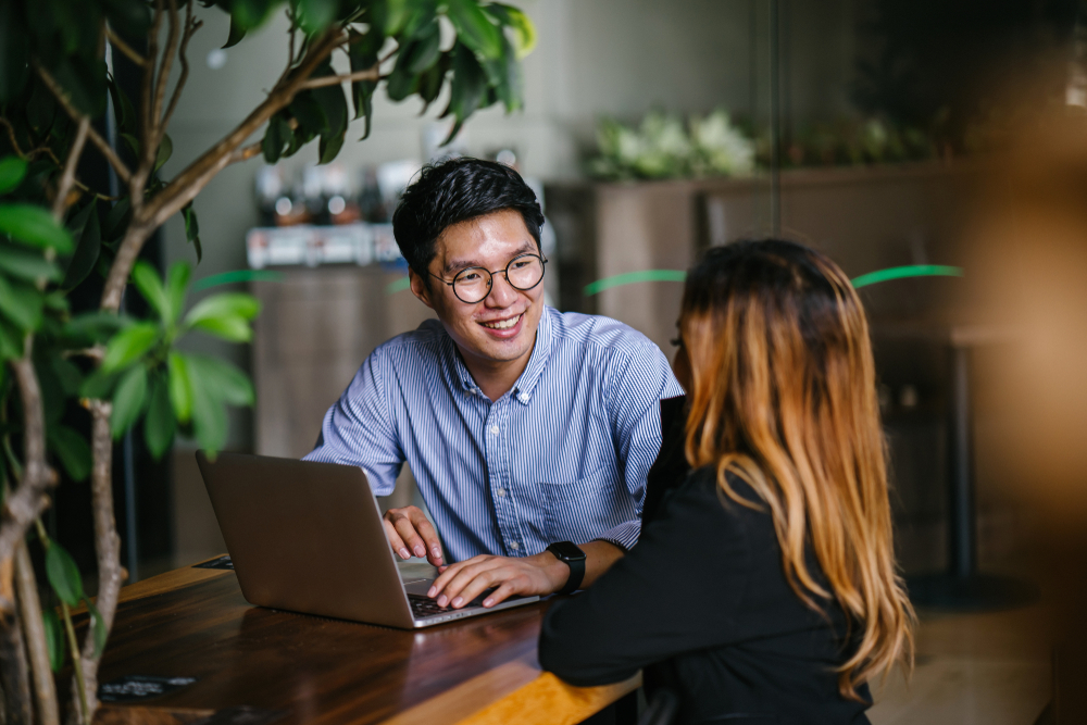 how to pitch with examples interview